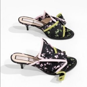 No. 21 Floral Print Bow Mules
